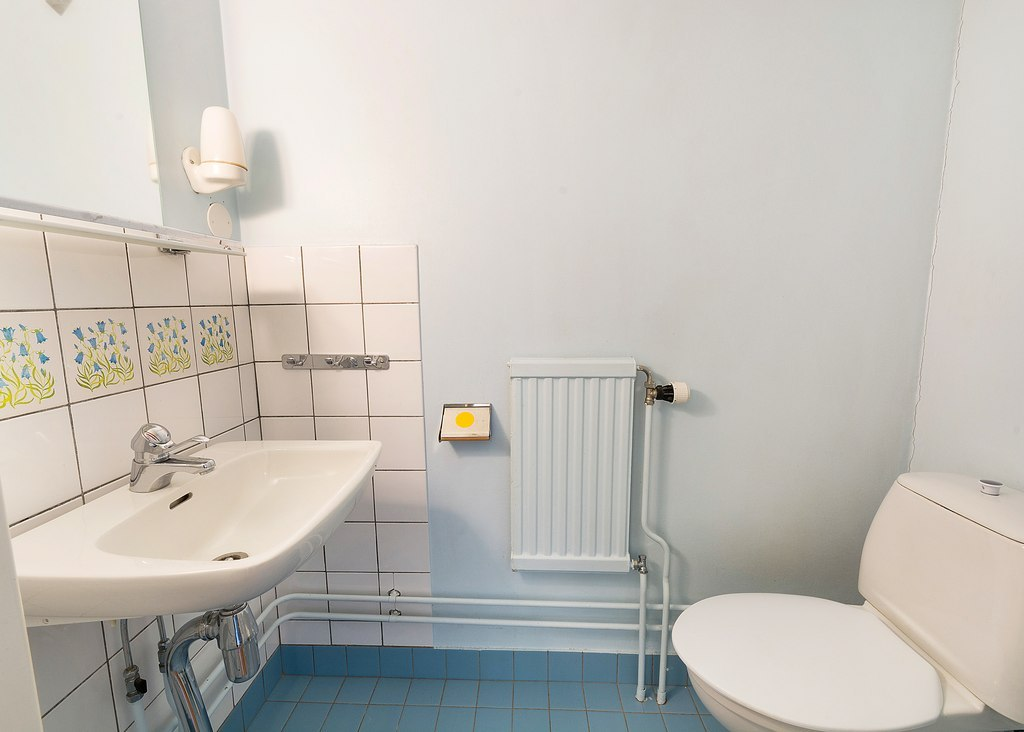 WC i uthyrningsrum plan två.