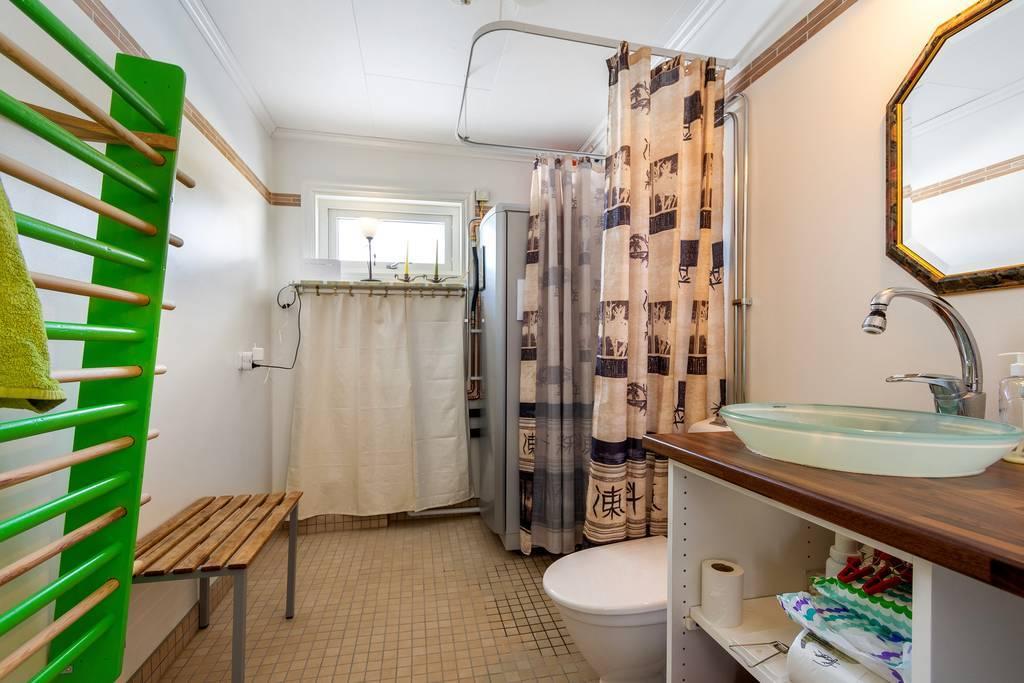 Fint badrum, även det med fina detaljer.