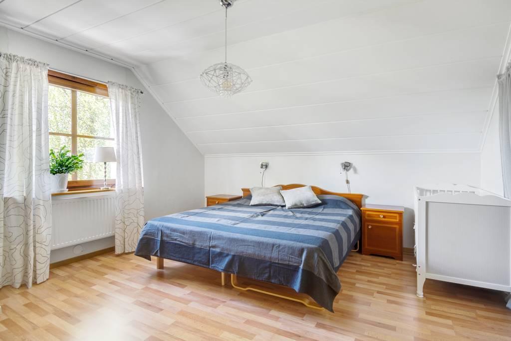 Sovrum på övervåning.