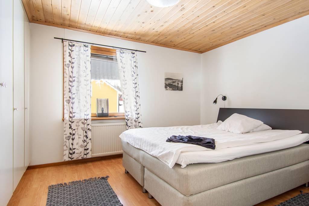 Master bedroom lgh 3 (2ROK)