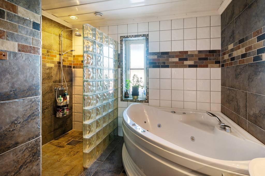 Bad och dusch.